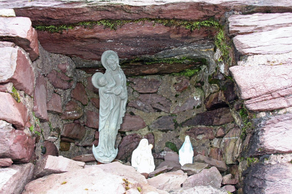 the grotto in Cruach Mhor's summit cairn