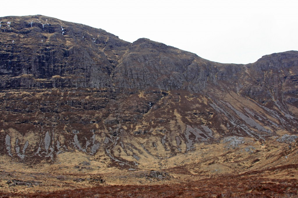 approaching Suilven from the Fionn Loch