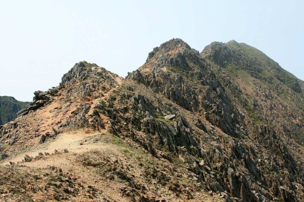 the final rock steps on Crib y Ddrysgl