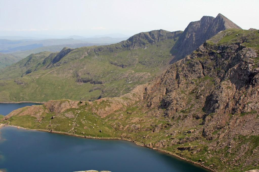 looking across Glaslyn and the Cribau ridge to Y Llewedd