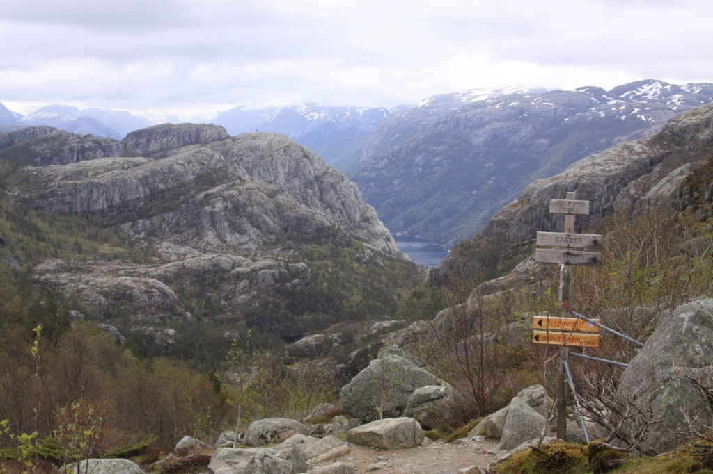 path junction, and first view of Lysefjord